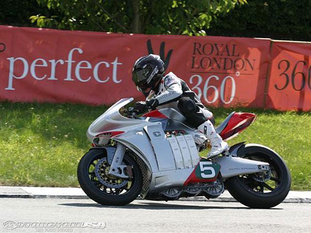 Mark Miller sur une moto CZYSZ