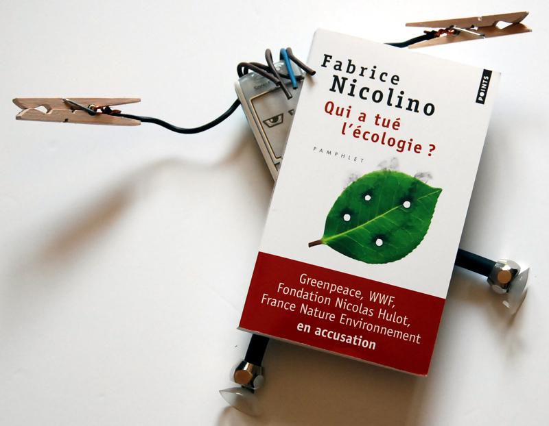 Mobilou écrasé par les accusations de Nicolino
