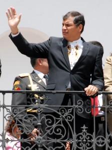 Rafael Correa nous salue