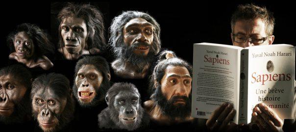ExtraPaul lit un livre à côté de ses ancêtres